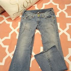 True Religion Joey Twisted Flare Jeans Very flattering pair of True Religion Jeans. Great color and flare! True Religion Jeans Flare & Wide Leg