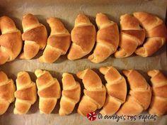 Ζύμη για κρουασάν Bread Cake, Croissants, Greek Recipes, Hot Dog Buns, Healthy Snacks, Brunch, Pie, Sweets, Cooking