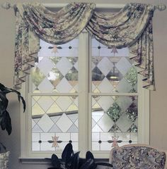 Gallery Glass Class: Books - Vertical Windows