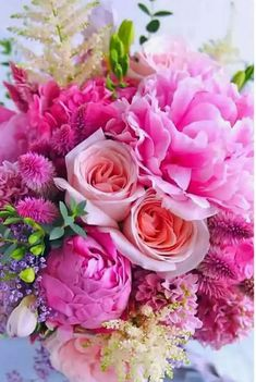 Beautiful bouquet of flowers, gorgeous colors!