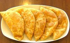 """Çiğ Börek Tarifi """"Eskişehir Yöresi"""" Çiğ Börek, Eskişehir yöresine ait en ünlü hamur işidir. Kolay bulunabilir malzemeler sayesinde herkesin evinde rahatça yapabileceği bir tariftir. Kırım, Kafkas ve Tatar göçmenlerinin de severek yaptığı bir tarif. Devamı için tıklayınız, http://www.tontisko.com/cig-borek-tarifi-eskisehir-yoresi"""