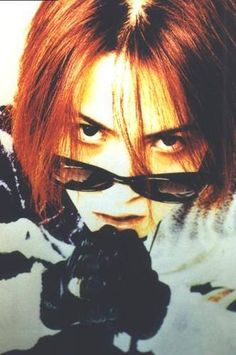 Interesting fact: he's slightly colorblind, so red just looked very dark to him until he got special glasses to see it. Hence red lipstick never does much for him. #hyde #larcenciel #vamps