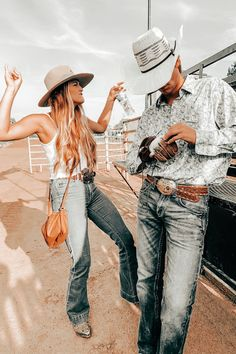 Country Couple Tattoos, Country Couple Pictures, Cute Country Couples, Cute N Country, Cute Couple Pictures, Cute Couples Goals, Country Prom, Wedding Country, Fit Couples