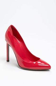 Oh the pairing possibilities!!  Gucci 'Gloria' Pump