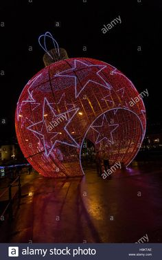 Download this stock image: Christmas Lights in Funchal, Madeira - H9KTAE from Alamy's library of millions of high resolution stock photos, illustrations and vectors.