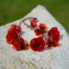Ze zahrady růží - náhrdelník z PET lahví. Více zde: https://www.facebook.com/VeraBelinovaSperky/?ref=bookmarks