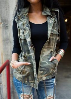 The Camo Cinched Cargo Vest is an MVB favorite! This vest is made out of a camo cargo material. Hood, double pockets, and drawstring feature at the waist. Fall Winter Outfits, Summer Outfits, Casual Outfits, Outfits With Vests, Cute Camo Outfits, Jean Vest Outfits, Camo Fashion, Fashion Outfits, Womens Fashion