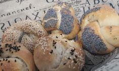 ΚΟΤΣΙ ΜΕΛΩΜΕΝΟ ΜΕ ΜΥΡΩΔΙΚΑ ΣΤΗ ΓΑΣΤΡΑ - Χρυσές Συνταγές Bagel, Rolls, Canning, Sweet, Candy, Buns, Bread Rolls, Home Canning, Conservation