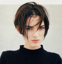 To know more about Winona Ryder //, visit Sumally, a social network that gathers together all the wanted things in the world! Featuring over 23 other Winona Ryder items too! Hair Inspo, Hair Inspiration, Pretty People, Beautiful People, Beautiful Women, Short Hair Cuts, Short Hair Styles, Short Pixie, Winona Forever