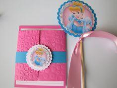 Invitaciónes de princesas en foami para cumpleaños - Imagui Cinderella Party, Princesas Disney, Birthdays, Birthday Parties, Paper Crafts, Scrapbook, Frame, Party Ideas, Cinderella Invitations