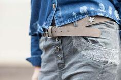 www.alicerisesup.com Baggy lentejuelas y cinturón estrella The Amity Company