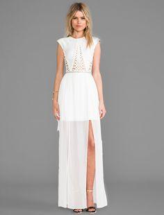 Boa idéia para um vestido de noiva diferente! Para noivas do verão e de casamentos diurnos... tréc chic!