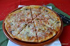 Pizza la tigaie reteta rapida Baby Food Recipes, Cooking Recipes, Healthy Recipes, Good Food, Yummy Food, Tasty, Pizza Lasagna, Pita, 30 Minute Meals