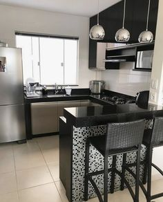 """For a small kitchen """"spacious"""" it is above all a kitchen layout I or U kitchen layout according to the configuration of the space. Kitchen Room Design, Modern Kitchen Design, Home Decor Kitchen, Interior Design Kitchen, Kitchen Furniture, Diy Kitchen, Kitchen Designs, Eclectic Kitchen, Kitchen Hacks"""