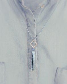 Dis Bibisse necklace blue miyuki delica beads & silver clover