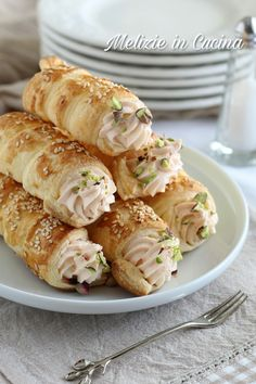 Puff Pastry Appetizers, Finger Food Appetizers, Appetizer Recipes, Dessert Recipes, Pastry Recipes, Cooking Recipes, Friend Recipe, Party Finger Foods, Party Buffet