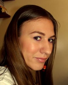 Everyday Makeup with a pop of color http://www.makeupbee.com/look.php?look_id=66216