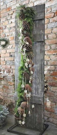 2014 ♥ Garland to make. All Seasons - 2014 ♥ Garland to make. All Seasons - garland decorating ideas Natural Christmas, Noel Christmas, Primitive Christmas, Country Christmas, Winter Christmas, All Things Christmas, Vintage Christmas, Christmas Wreaths, Christmas Crafts