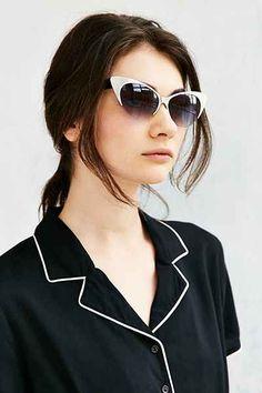 ecbf667e30559 Retro Exaggerated Cat-Eye Sunglasses Urban Outfitters Sunglasses