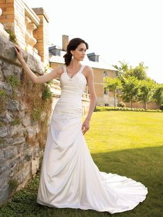 Sleeveless Slim A-line Wedding Dress with Wide Inverted Halter Straps