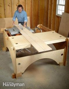 Build this take-down table saw table to make the perfect work station for a DIYer with limited garage space.