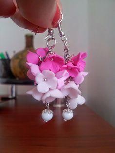 Ciorchine roz Earrings, Flowers, Handmade, Jewelry, Fimo, Ear Rings, Stud Earrings, Hand Made, Jewlery