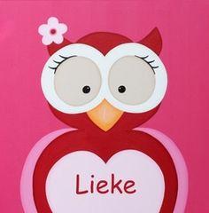 Geboortekaartje met Uiltje. De goedkoopste geboortekaartjes online ontwerpen en bestellen via http://www.geboortepost.nl/geboortekaartjes/cartoons/cute-red-owl-on-pink-vk.html