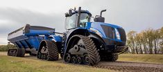 Find out more about the SmartTrax system, available in two widths on the Series – Tier to suit your operation, offering numerous benefits. Case Ih Tractors, Big Tractors, John Deere 4320, New Holland Agriculture, Tractor Pictures, New Holland Tractor, Lawn Equipment, Heavy Machinery, Koenigsegg
