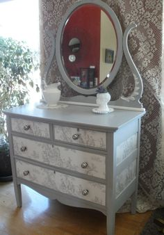 Toile, Paris Grey & Pure white!  Love this beauty!!!