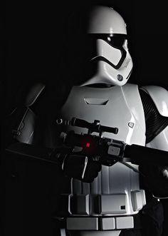 Star Wars VII - The Force Awakens / Stormtrooper love the new style Film Star Wars, Star Wars Vii, Star Trek, Vader Tattoo, Star Wars Tattoo, Star Wars Pictures, Star Wars Images, Walt Disney Pictures, Stargate