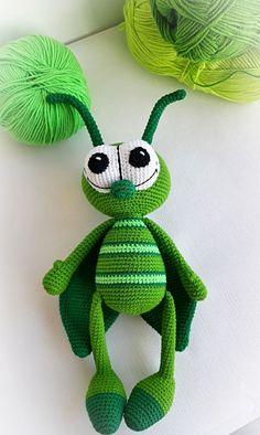 Amigurumi insects, crochet toy Grasshopper Pattern by Olga Shkarlatyuk. Amigurumi insects, crochet toy Grasshopper Pattern by Olga Shkarlatyuk.