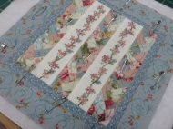 Marking the quilting design and sandwiching the quilt using safety pins. Braid Quilt, Paper Piecing, Quilting Designs, Quilt Patterns, Friendship, Decorative Boxes, Braids, Colours, Quilts
