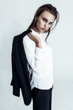Tomboy simple…. Love this image and styling                                                                                                                                                      More