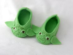 Yoda baby booties STAR WARS baby felt shoes by Plusheez on Etsy
