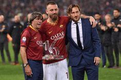 FOTO - De Rossi day, il saluto del capitano ai tifosi della Roma - TUTTOmercatoWEB.com Pep Guardiola, As Roma, Just A Game, Swansea, Bournemouth, Leeds, Liverpool, Vip, Derby