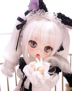 You are soo kawaii! Kawaii Doll, Kawaii Anime, Pretty Dolls, Beautiful Dolls, Blythe Dolls, Barbie Dolls, Anime Figurines, Dream Doll, Doll Painting