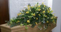 Spring casket spray #daffodils #narcussi #viburnum