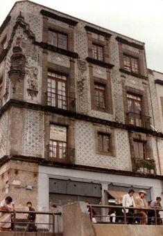 La Casa de las Ajaracas en la esquina de República Argentina y Guatemala, vista desde el Templo Mayor FOTO: Colección Villasana-Torres
