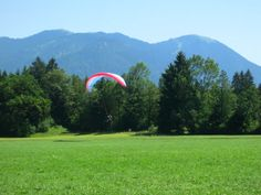 Brauneck Mountain, Munich, Germany | www.leadmeaway.com | #munich #germany #europe #summer #bavaria #brauneck #mountain #nature #scenery #green #paragliding