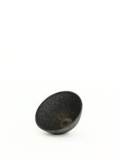 ブラック Bowl S とんがり - 陶芸家・青木良太公式通販サイト RYOTA AOKI POTTERY