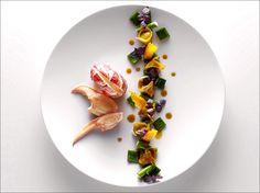 Pour varier les plaisirs, on choisit un homard bleu de luxe, tout en couleurs