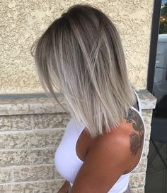10 Medium Hair Color Sky - Beige - Brown - Blonde & Gray Blends - Hairstyle Fix - Tolle Frisur für dünne Haare Graue Haare, weisse Haare, Bob , Haarschnitt kurze Haare, dünne Ha - Blonde Wavy Hair, Brown Blonde, Icy Blonde, Bright Blonde, Ash Blonde Balayage Short, Medium Ash Blonde Hair, Ash Blonde Short Hair, Balayage Hair Ash, Ash Hair