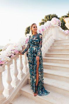 The pattern on this Frida Jonsvens dress is stunning! Boho Wedding Guest Outfit, Summer Wedding Outfits, Wedding Party Dresses, Black Tie Wedding Guest Dress, Dress Chanel, Clothing Blogs, Wedding Looks, Giuseppe Zanotti, Dress To Impress