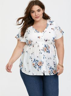 Ivory floral challis babydoll blouse empire waist tops, trendy plus size fashion, plus size Trendy Plus Size Fashion, Curvy Fashion, Women's Fashion, Plus Size Shorts, Plus Size Tops, Plus Size Dresses, Plus Size Outfits, Collarless Denim Jacket, Elegant
