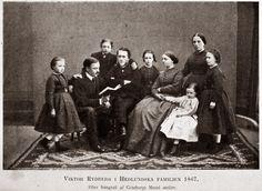 """Viktor Rydberg och den Hedlundska familjen 1867. Rydberg var """"adopterad"""" kan man säga, bodde i anslutning till familjens bostad och umgicks som en extra familjemedlem."""