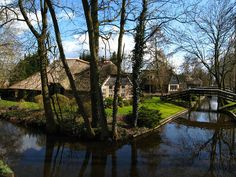 Giethoorn - a Dutch village is a well-known tourist spot in the Netherlands. Its main attraction is that there are no motorable roads in the old parts of the village.