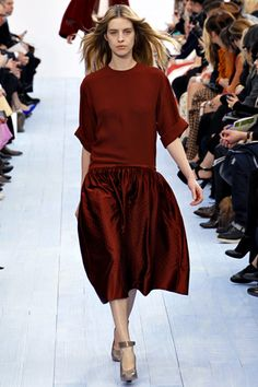 Love the relaxed yet polished vibe, and noticing a garnet red trend... (Chloe)