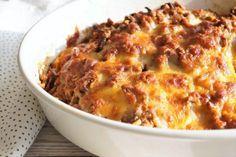 Spidskålslasagne - en sundere og grønnere måde at lave lasagne på. Veggie Recipes, Vegetarian Recipes, Snack Recipes, Healthy Recipes, Seafood Recipes, I Love Food, Good Food, How To Make Lasagna, Making Lasagna