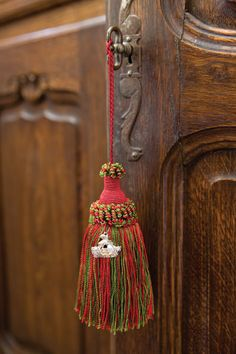 These are perfumed tassels from Agraria, who makes one of my favorite home fragrances.