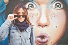#artistpic#streetphotographer#streetphotography#valenciastreet#valenciagram#womansfashion#graffiti#fujix100#fujix100shots#portraitgirl#instavalencia#elcarmen#portrait by vdlfotografo
